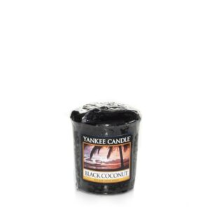 Black Coconut Votive Yankee Candle