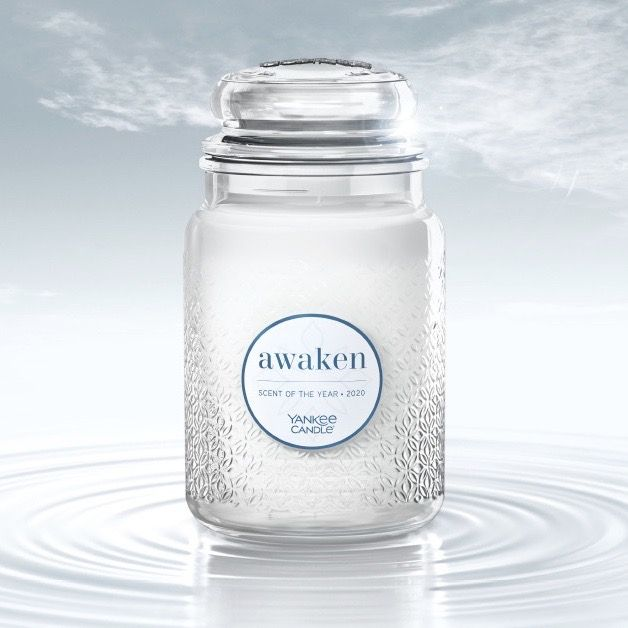 Awaken - Scent of the Year Yankee Candle