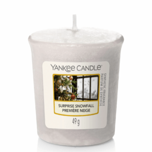 Surprise Snowfall Votive Yankee Candle